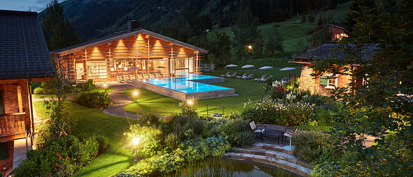 hotel-gasthof-post-exterior-outdoor-pool.jpg